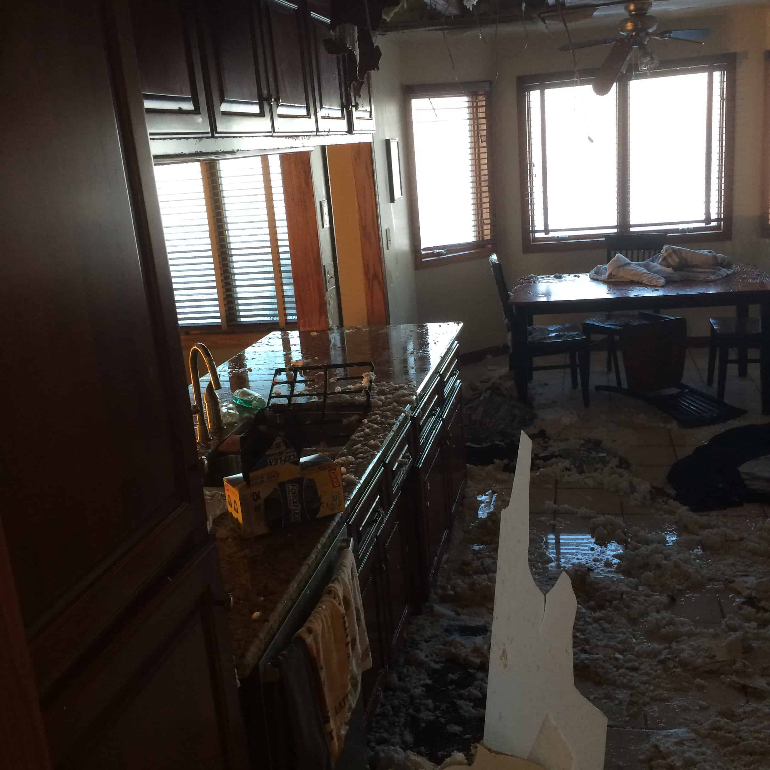 Water Damage Services : Infante home water damage repair recoveron services